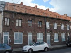 4 naast elkaar gelegen rijwoningen met tuin (vernieuwde keukens - badkamers - dubbel glas - cv gas)+ 4 garages, alle woningen zijn momenteel verhuurd
