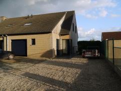 HOB op 500m², living, ingerichte keuken en badk, 3 slaapk, garage, tuin met terras, instapklaar