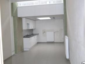 Rijwoning met nieuwe keuken en badk, apart toilet, drie slaapk, berging, binnen volledig vernieuwd