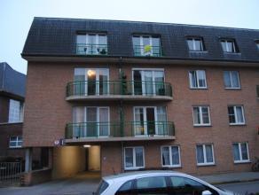 Appartement 55m², living, volledig ingerichte open keuken, 1 slaapkamer, badkamer met douche, balkon, kelder, zeer centrale ligging(450 + 40 euro