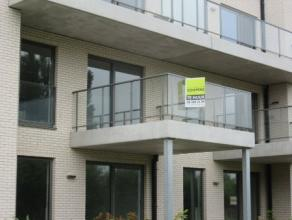 Nieuwbouwappartement 86m² opp, living, ingerichte open keuken, badkamer met ligbad, 2 slaapkamers, berging, kelderberging, terras met zicht op de