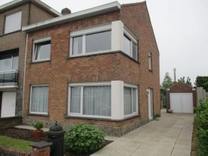 HOB op 225m² oppervlakte, living, ingerichte keuken en badkamer, 3 slaapkamers, berging, zolder, garage, tuin met terras, goed onderhouden