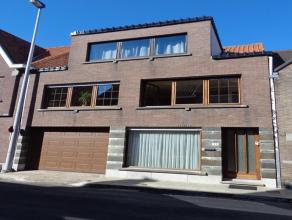 Gezellige ruime bel-etage woning met garage en prachtige zonnige tuin ! Gezellige bel-etage woning, gelegen nabij rustige dorpskern, school en openbaa