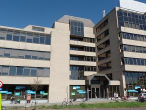 342m² (à 893m²) kantoorruimte<br /> Ligging: aan Singel en Antwerpse Ring<br /> Beschikbaar: onmiddellijk
