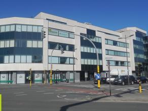277m² kantoren<br /> Ligging: vlot bereikbaar via de Ring; aan station Berchem<br /> Beschikbaar: onmiddellijk