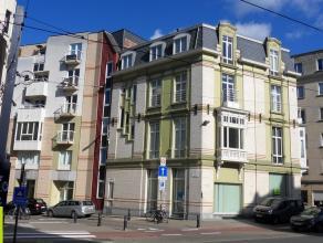 150m² kantoorruimte op gelijkvloers <br /> Ligging: op wandelafstand van Sint-Pietersstation en vlakbij tramhalte; op hoek met Kortrijksesteenwe