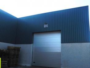 322m² magazijn met 30m² kantoorruimte <br /> Ligging: vlakbij R4 en E34; sas van Gent <br /> Beschikbaar: 1/12/2016