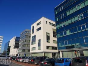 88m² tot 536m² kantoorruimte Ligging: naast afrit 6 van de E403 (A17) te Roeselare Beschikbaar: onmiddellijk