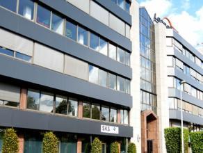 148m² (à 1157m²) landscape kantoorruimte  Ligging: vlakbij de ring en gelegen in één van de meest bekende kantoorstrat