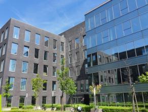 1116m² kantoorruimte <br /> Vlakbij de Singel en de Ring; op 10 min wandelafstand van station van Berchem. <br /> Beschikbaar: onmiddellijk