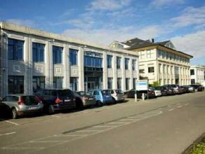 Mooi aanbod op een uitstekende locatie aan de R8 te Kortrijk. Diverse modules ter plaatse te bekijken en te bespreken. Parkings beschikbaar voor het g