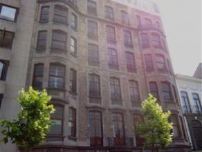 Square Riga - dans prestigieuse maison de maître, au 4e. étage avec ascenseur, magnifique hall entrée au rez, - bel appartement tr