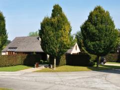 Deze villa is gelegen in een aangename, residentiële verkaveling net buiten het centrum van De Pinte, op 2,5 km van het station. Zowel het concep
