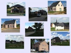 Zeer landelijk en rustig gelegen bouwgronden waarvan nog 13 HOB en 2 OB, zonder bouwverpliching, op 500 meter van het dorp Michelbeke, openbaar vervoe