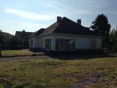 Te renoveren villa met zuidgerichte tuin, nabij centrum Brakel. Bezoek of meer info, bel Nancy 0495/57 59 90.