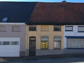 Gelegen in de stadsrand op het verlengde van de N60 heeft deze woning het voordeel dat u snel binnen of buiten Ronse bent! De woning is een authentiek