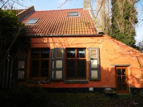 Rustig gelegen woning op unieke lokatie op het platte land. Deze woning is volledig uitgerust met dubbele beglazing en wordt verwarmd met aardgas (er