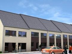 Nieuwbouwwoning - half open - voorzien van alle moderne comfort maar traditioneel gebouwd.  Op het gelijkvloers bevindt zich een inkomhal met toilet