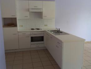 Instapklaar en energiezuinig appartement gelegen op de 1e verdieping met zicht op het Groenplein.Het appartement omvat een inkomhal, toilet, leefruimt