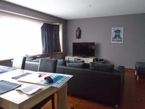Gezellig en verzorgd appartement omvattende een inkom - living van 29m² - ingerichte keuken van 10m² - terras - twee slaapkamers van respect