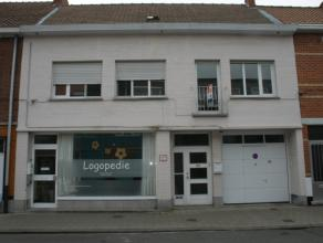 Deze eigendom is gelegen in het centrum van Wondelgem op wandelafstand van alle winkels en supermarkten (Delhaize, aldi, Lidl..), vlakbij openbaar ver