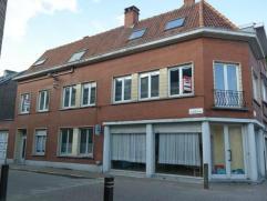 Heel ruime en leuke hoekwoning te Ledeberg. Ideaal gelegen op fietsafstand van het centrum van Gent en in de nabijheid van alle invalswegen en het ope