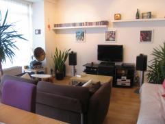 Leuk appartement in een kleinschalig gebouw,  gelegen aan het Te Boelaerpark. De gezellige living heeft ramen tot op de grond zodat de lichtinval uite