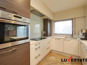 Dit instapklaar appartement op het gelijkvloers is zeer centraal gelegen te Wilrijk. Het appartement beschikt over een ruime living met nieuwe open ke