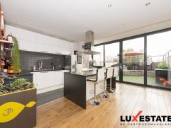 Achter deze mooie gevel treffen we een prachtig gerenoveerd duplex-appartement, gunstig gelegen te Deurne. Niet alleen heeft u op zeer korte afstand v