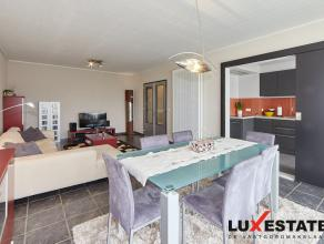 Dit Instapklaar appartement is zeer centraal doch rustig gelegen op de tweede verdieping en heeft 3 slaapkamers en een garagebox. Dit appartement werd