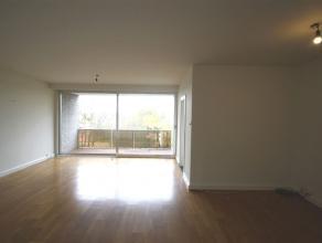 Ref.nr.: 5009 Zeer gunstig en rustig gelegen 2-slaapkamer appartement met 2 terrassen en eventueel een garagebox (apart te huur). Het appartement best