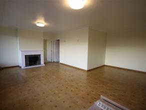 Ref.nr.: 5006 Aangenaam en volledig gerenoveerd 3-slaapkamer appartement met groot terras en fenomenaal vergezicht. Het appartement omvat een inkomhal