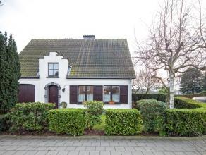 Deze charmante villa bevindt zich in de gegeerde zone 30 woonwijk in Edegem halfweg centrum Mortsel en centrum Edegem, vlakbij scholen (OLVE) en inval