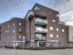 We treffen dit prachtig appartement terug op een zeer centrale locatie te Mortsel, op wandelafstand van tal van winkels, scholen en openbaar vervoer.