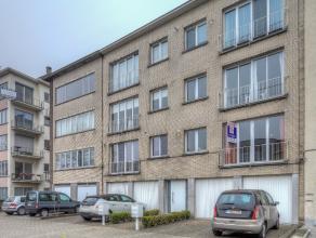 We treffen dit instapklaar appartement (tweede verdieping) met mogelijkheid tot aankoop garagebox terug in één van de mooiste straten va