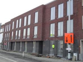In residentie Claes, met toegang via Borsbeeksebinnenweg 53 te Mortsel.Gemakkelijk toegankelijke garagestaanplaatsen aan de Liersesteenweg 142. Nummer