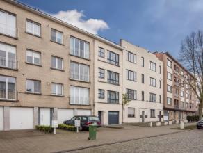We treffen dit instapklaar appartement (derde verdieping) in één van de mooiste straten van Wilrijk. Het appartement is gelegen op wande