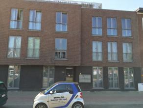"""Het appartement is gelegen op de derde verdieping in residentie """"Claes"""", op een boogscheut van het centrum van Mortsel, vlakbij winkels, openbaar verv"""