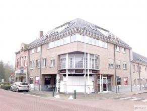 Mooi en centraal gelegen appartement op de tweede verdieping bestaat uit woonkamer, keuken, berging/wasplaats, aparte toilet, badkamer, twee slaapkame