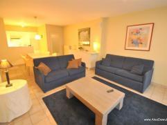 Modern, fris appartement op 50 m van de zeedijk.Samenstelling: ruime living, open keuken, 2slaapkamer, badkamer, douchekamer. Mooi binnenk
