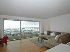 Mooi 3 slaapkamer appartement gelegen op de zeedijk met prachtig zicht. Samenstelling :ruime living, 3 slaapkamers met 2-persoonsbedden, 2 badkamers,