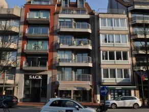 Zonnig en ruim 2 slaapkamer-appartement in een recent gebouw in de Lippenslaan. Het appartement is centraal gelegen en wordt ongemeubeld verhuurd. Ind