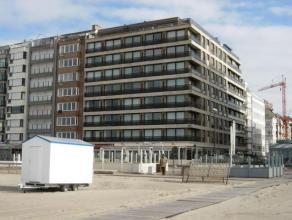 Goed gelegen ongemeubeld appartement op de Zeedijk aan het Rubensplein. Samenstelling: woonkamer met halfopen keuken, 3 ruime slaapkamers, bad- en dou