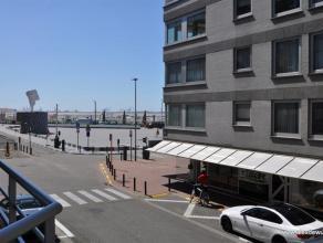 Recent gerenoveerd appartement, uitstekend gelegen aan het Rubensplein en met goed zijdelings zeezicht en zicht op het plein in een klein gebouw met s