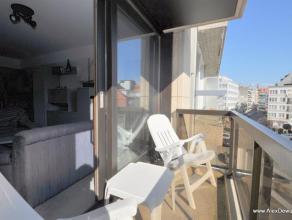 Uitstekend gelegen gemeubeld appartement met 1 slaapkamer. Samenstelling: hall, toilet, berging, woonkamer met open keuken, zonnig terras, slaapkamer