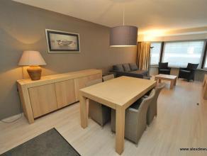 Modern gemeubeld 1 slaapkamerappartement in het centrum van Knokke. Samenstelling: Inkom, berging, gastentoilet, woonkamer, 1 ruime slaapkamer met ter