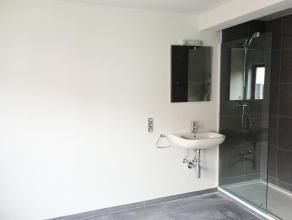 Volledig vernieuwd studentenhuis vlakbij Sportkot (KU Leuven FABER) en UCLL -campussen (hogeschool). Er zijn 15 kamers waarvan 4 met eigen sanitair. D