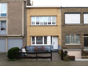 Gezellige instapklare woning nabij het Boekenbergpark te Deurne. Deze eengezinswoning beschikt over een ruime living met een eethoek. Er is een ge&ium