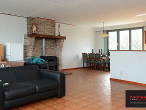Dit ruime appartement is goed gelegen in de omgeving van Fort 4. Overal is er veel lichtinval en het appartement beschikt over  3 slaapkamers.  De g
