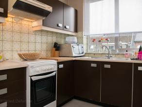 Instapklaar appartement op de 2de verdieping met 2 slaapkamers in Lier.<br /> U betreedt het appartement langs de centrale inkomhal. <br /> Van hierui